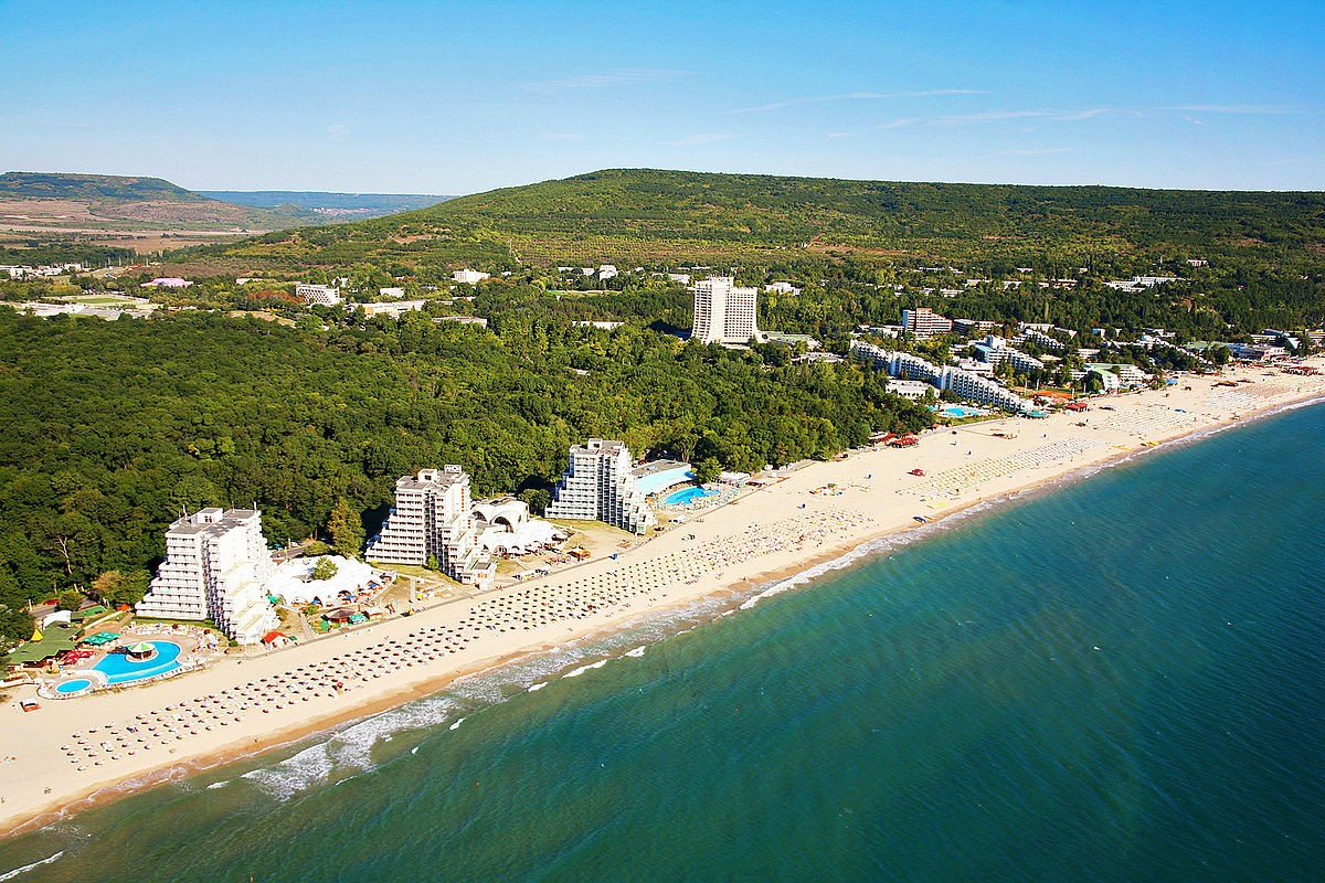 COVID-19 In Bulgaria: Nightclubs In Albena Resort Close