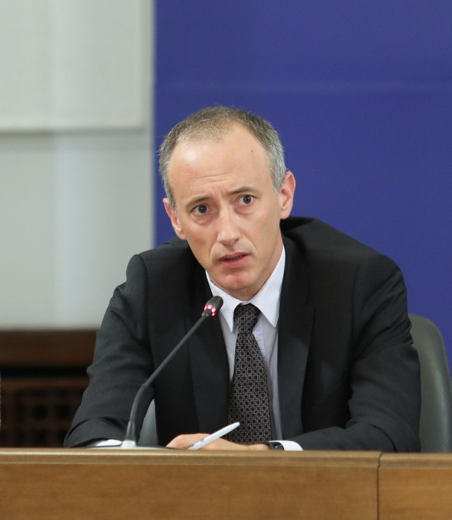 Education Minister of Bulgaria: No Masks In The Classrooms, Schools Will Close If 20% of Students Are Sick