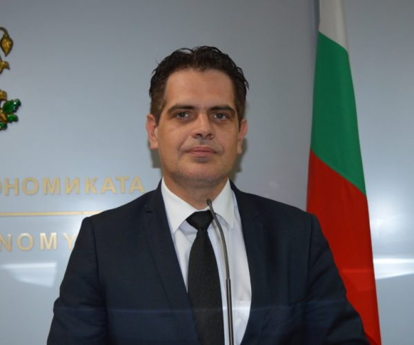 Economy Minister: At This Stage, A Full Lockdown Is Not Expected In Bulgaria