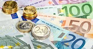 Euro Rises Record High Against US Dollar First Time Since 2018