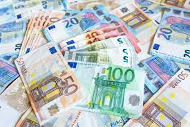 Bulgarians Convert Hundreds Of Millions Of Leva Into Euro