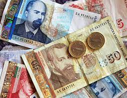 Bulgarians Have Spent Between BGN 2.2 And 2.4 Billion To Celebrate The Holidays
