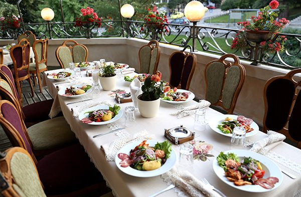 Bulgaria: Only 14 Percent Of Restaurants Agree To Work Using Just Outdoor Spaces